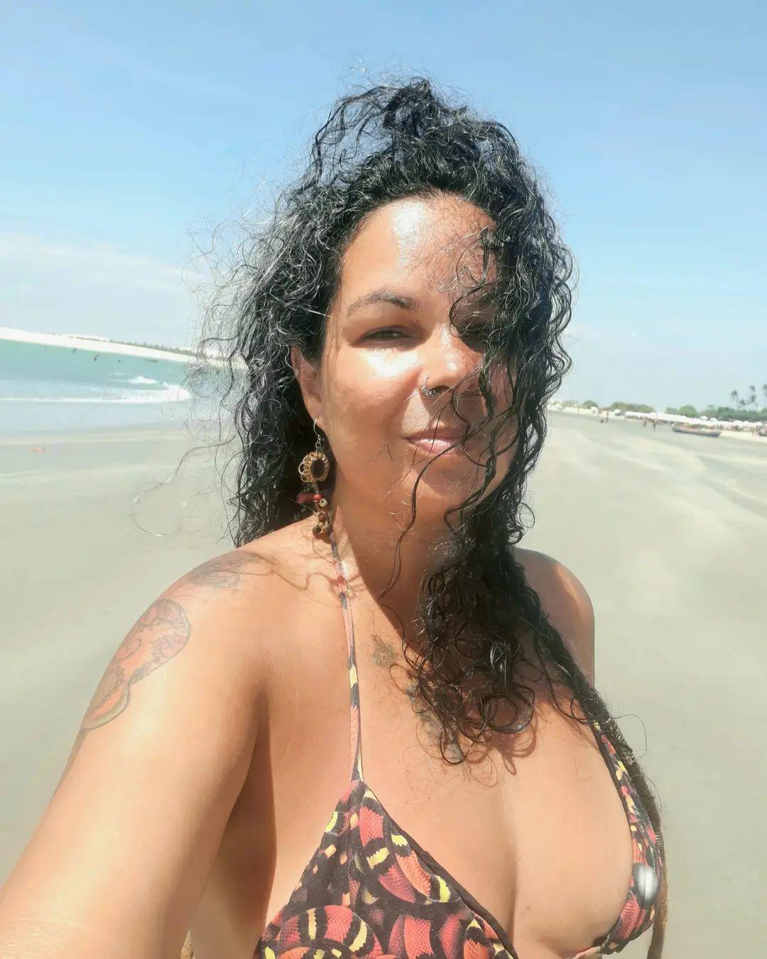 Tão Natural e Potente quanto a Luz do Sol da minha Terra #beach #praia #trip # t ...